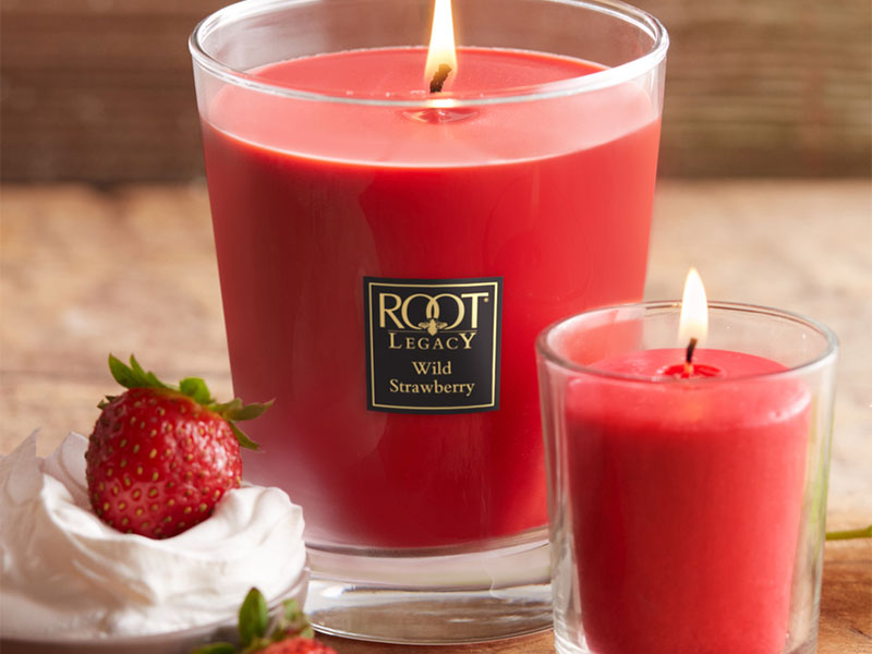 Giftware-Strawberry-Candle